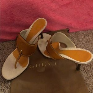 Gucci Tan & Cream Sandals 💛